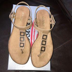 *NWT* Aerosoles sandals! NEW!